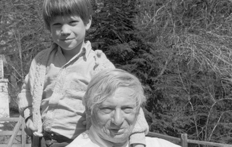 Louis I. Kahn and son Nathaniel, circa 1970. From Nathaniel Kahn's <em>My Architect</em>.