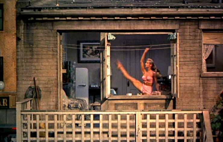 <em>Voyeur </em>is loosely based on Hitch­cock's <em>Rear Window</em> (photo).