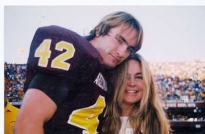 the real story behind the death of pat tillman in the tillman story a documentary film by amir bar l The film was directed by amir bar the tillman story shows pat tillman as he was famous guy so why we don't put his death on stage and set as the real hero.