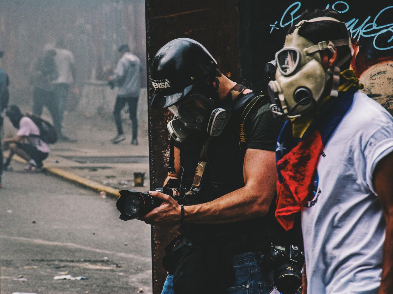 Braulio Jatar shooting during Venezuelan protests. Courtesy of NYFA