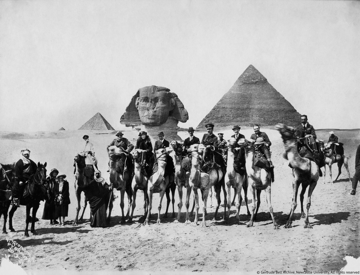 Gertrude Bell, flanked by Winston Churchill and T.E. Lawrence, at the Cairo Conference in 1921. (c) Gertrude Bell Archive/Newcastle University