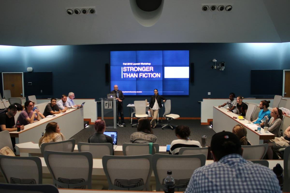 Filmmaker Rachel Boynton teaching at the Jonathan Murray Center for Documentary Journalism. Courtesy of University of Missouri School of Journalism