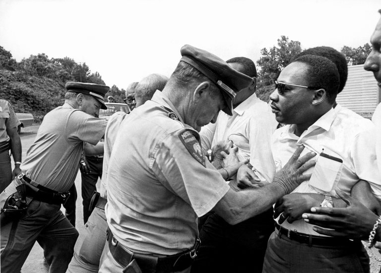 The Rev. Dr. Martin Luther King Jr., right, as seen in Peter Kunhardt's 'King in the Wilderness. Credit: Underwood Archives/The Image Works/HBO