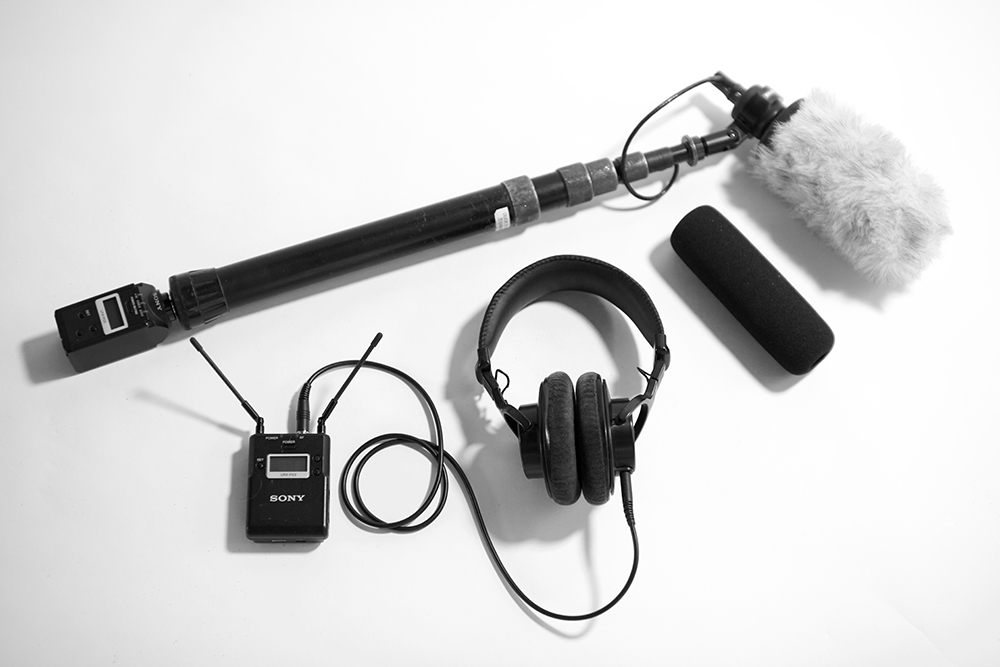 Sound Accomplice Rig with Sony UTX-P03 Plug-On transmitter, short boom, Audio-Technica AT875R microphone, Sony URX-P03 receiver and Senal SMH-1000 Headphones for monitoring.