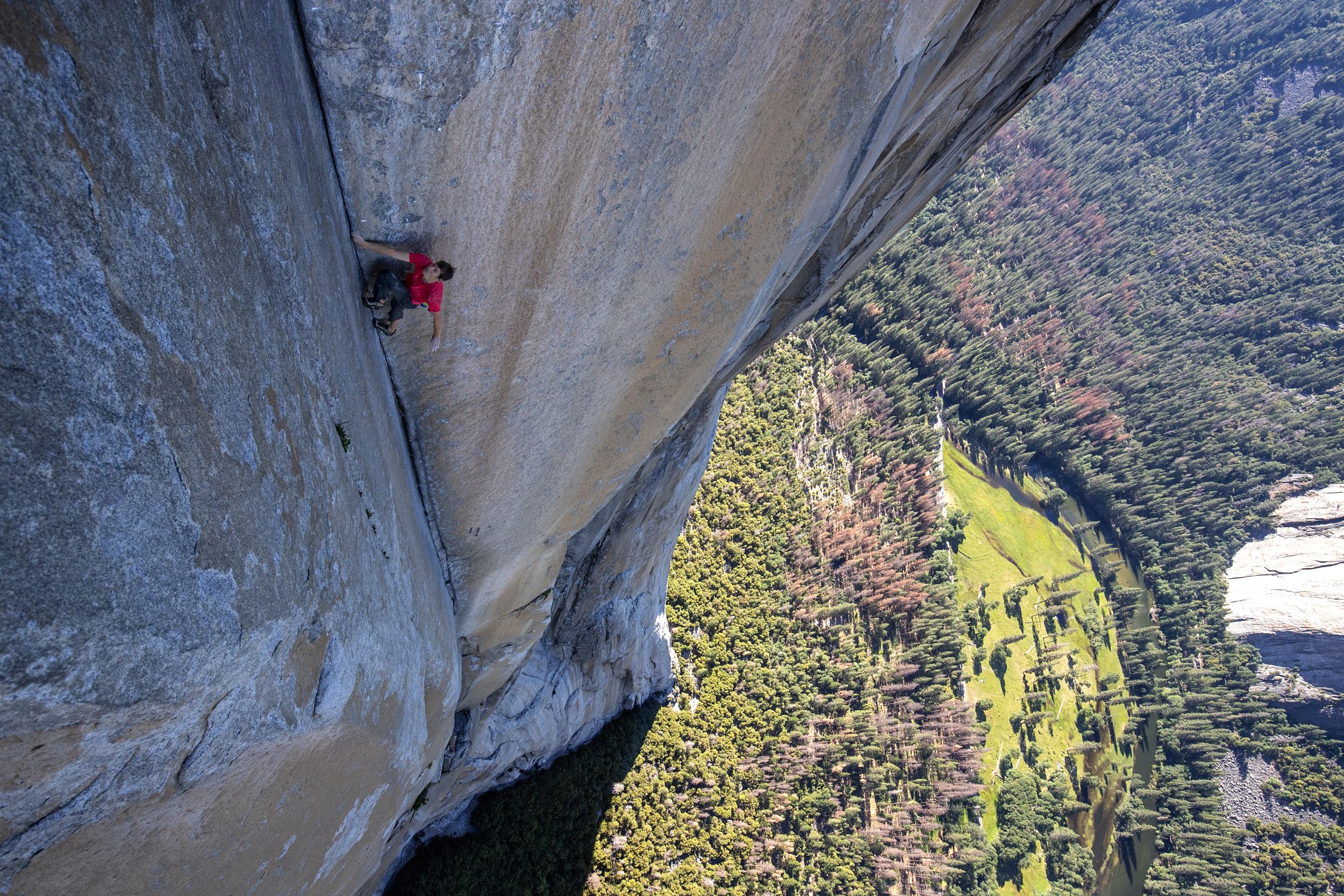 Alex Honnold climbing 'El Cap' in Jimmy Chin and Chai Vasarhelyi's 'Free Solo'. Photo courtesy of National Geographic.